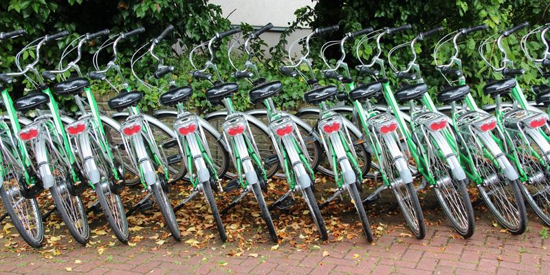 El proyecto europeo Urban Air, en el que participa Castilla y León, trabaja para reducir la contaminación promoviendo una movilidad sostenible como un sistema de alquiler de bicis eléctricas de carga solar.