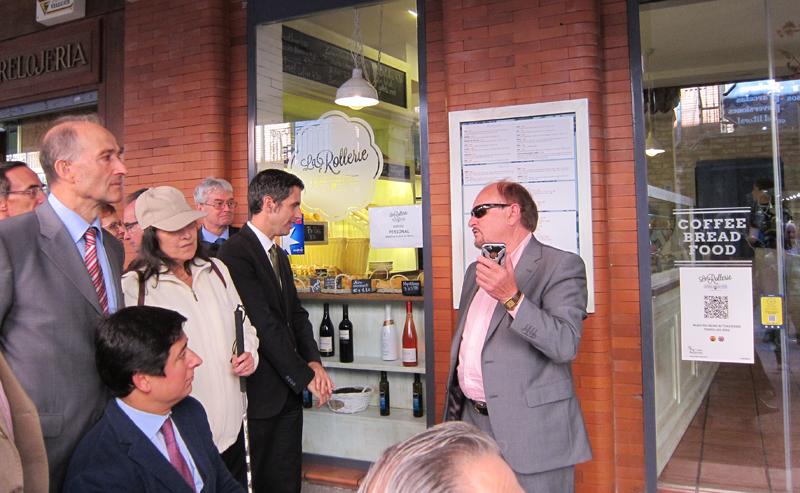 Una de las aplicaciones permite la audiolectura en 12 idiomas de los menús en restaurantes.