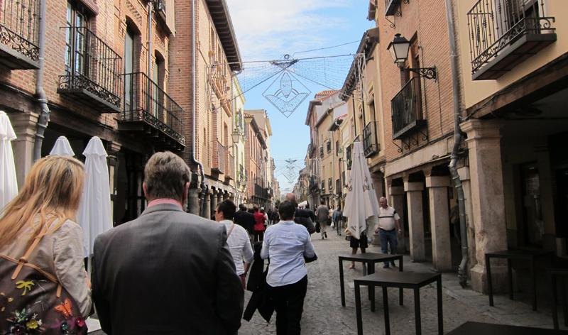 Calle Mayor de Alcalá de Henares, incluida en el Espacio Integrado Inteligente para hacer más accesible la ciudad.