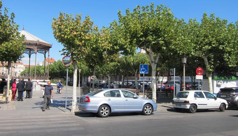 Las plazas de aparcamiento para personas con movilidad reducida situadas en la Plaza de Cervantes pueden localizarse y reservarse mediante una aplicación móvil.