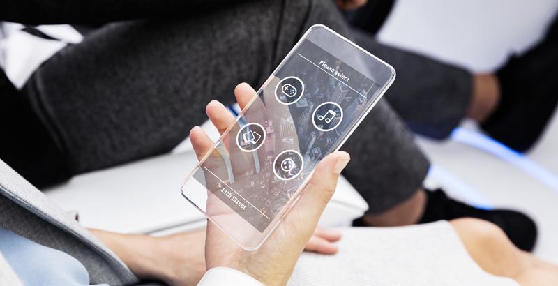 El carsharing sin volante ni pedales se controla por voz o a través de un dispositivo móvil tipo smartphone.