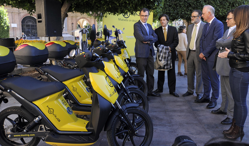 Presentación del servicio de motosharing que acaba de empezar a operar en Murcia con 85 motos eléctricas.