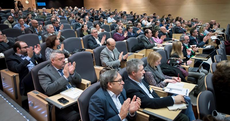 Profesionales del sector, empresas y representantes de la Administración asistieron a la Jornada de Lanzamiento del IV Congreso Ciudades Inteligentes.