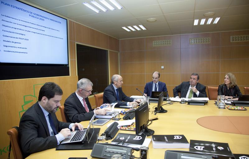 El proyecto Carpeta Ciudadana, que facilitará una ventanilla única digital para la tramitación online de las gestiones de Administración Electrónica fue anunciado por el portavoz del Gobierno Vasco Josu Erkoreka.