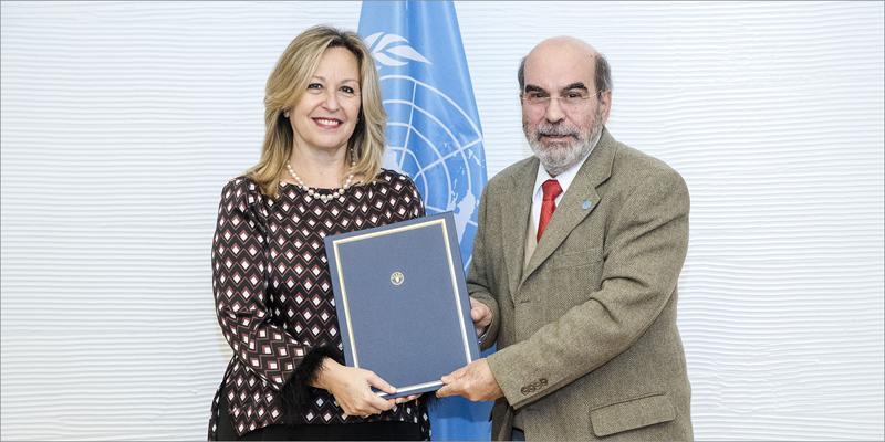 José Graziano da Silva, director general de la FAO, y Trinidad Jiménez, directora global de Estrategia de Asuntos Públicos de Telefónica, firmaron el convenio para aplicar IoT, Inteligencia Artificial y Big Data en entornos rurales y alerta temprana.
