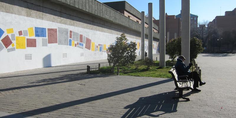 Parte trasera del mercado de Orcasur y plaza sobre la que también se actuaría para su revitalización.