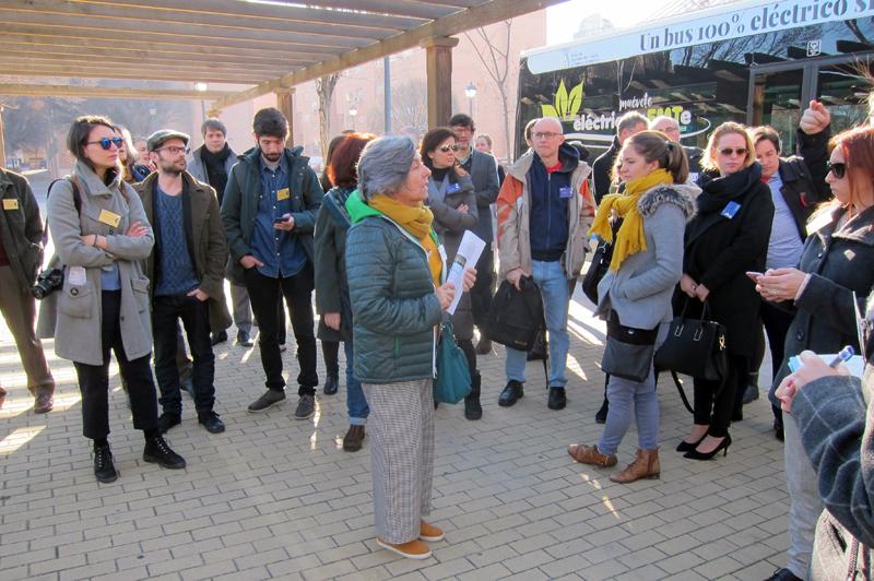 Los participantes visitaron las localizaciones propuestas para su mejora en transporte eléctrico.