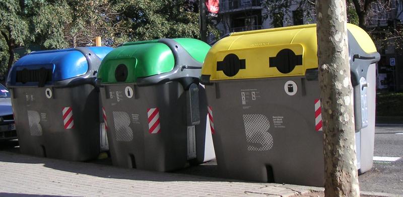 El proyecto Smart Waste está pensado para aplicar IoT y Big Data a la gestión de los residuos del contenedor azu (envases de cartón y papel) y del amarillo (envases de plástico, latas y bricks).