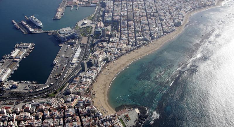 La gestión inteligente del agua es una prioridad en el plan de smart city de Las Palmas de Gran Canaria, que cuenta con una de las playas urbanas más importantes en España, Las Canteras.