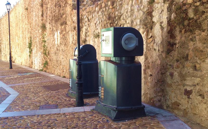 Buzones renovados en los sistemas de recogida neumática de residuos de Envac, dentro del plan de actualización que está llevando a cabo en varias ciudades españolas.
