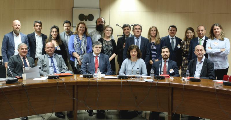 Foto de familia de la segunda reunión del Comité Técnico del IV Congreso Ciudades Inteligentes.