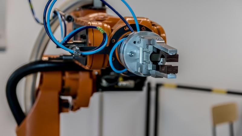 La llegada de los robots basados en inteligencia artificial al mercado laboral va a tener un importante impacto en el empleo.