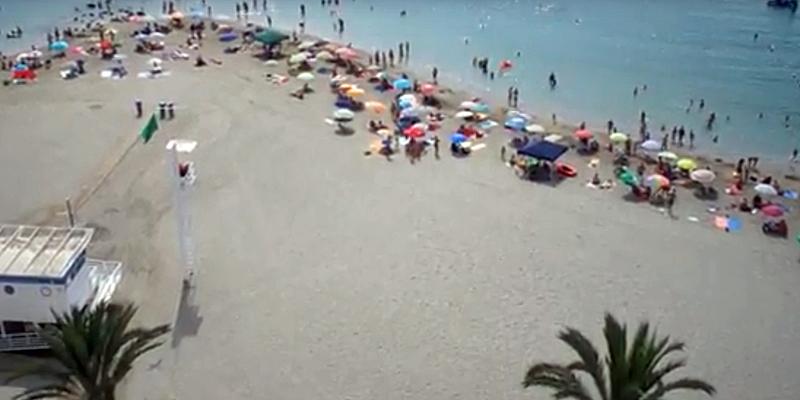 Roquetas de Mar (Almería) quiere dotar sus playas con puntos wifi de acceso a Internet gratuitos este verano.