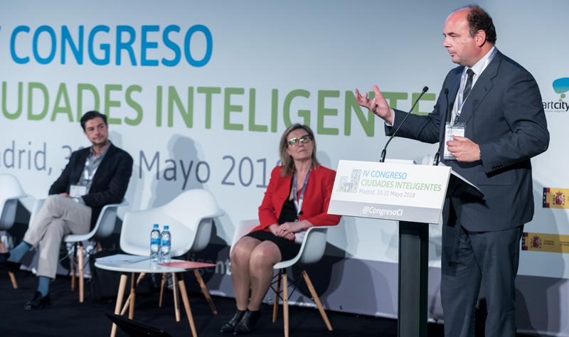 Francisco Javier García, durante su intervención en la clausura del IV Congreso Ciudades Inteligentes.