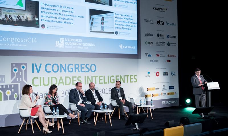 La última mesa redonda del Congreso se dedicó a debatir retos y perspectivas de la red 5G y estuvo moderada por José Javier Rodríguez, del Ayuntamiento de Madrid.