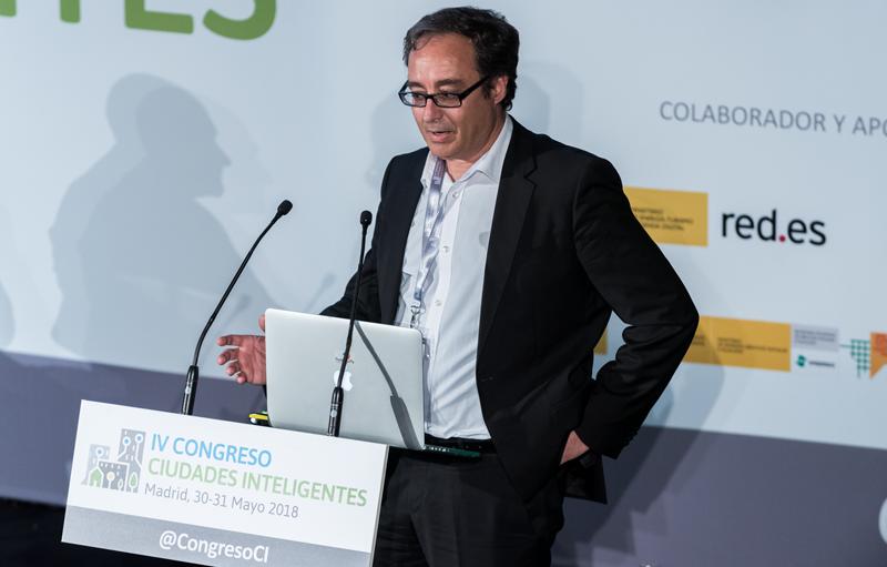 José Manuel Cruz durante su ponencia sobre el Proyecto MUNIN en la Comunidad de Madrid.