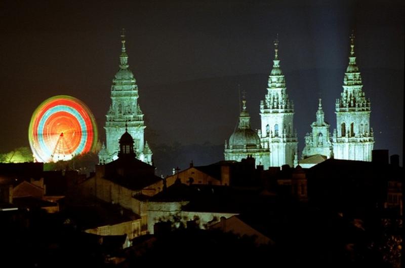 Vista nocturna de Santiago de Compostela.