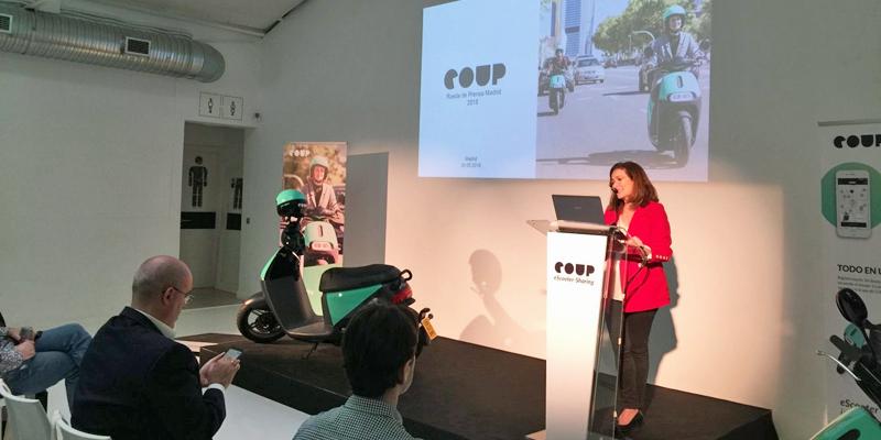 Presentación del nuevo servicio de motos eléctricas de alquiler que opera en Madrid.