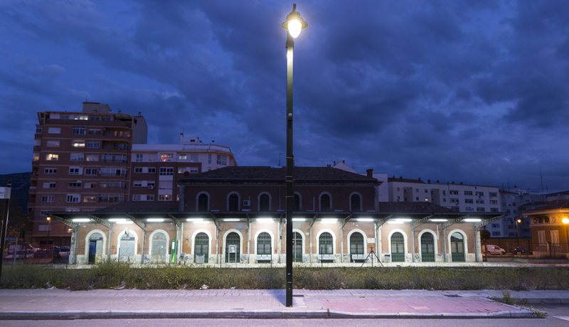 Una de las nuevas luminarias LED de Schréder que ya está en funcionamiento en la ciudad alicantina de Alcoy.
