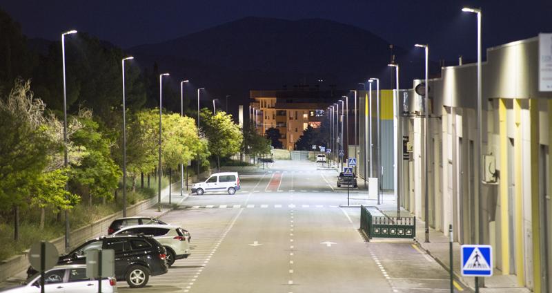 Sistema de alumbrado público telegestionado de Schréder instalado en un polígono industrial de Alcoy.