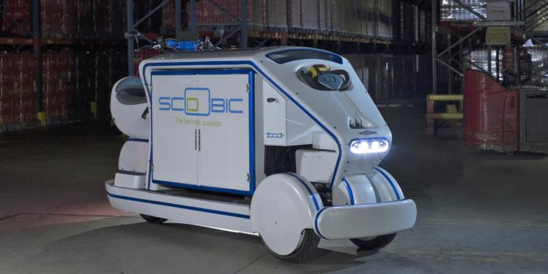 Scoobic es 100% eléctrico y tiene una autonomía de 300 km para el trasporte de última milla en las ciudades, además de incorporar un sistema que limpia el aire de partículas de carbono.