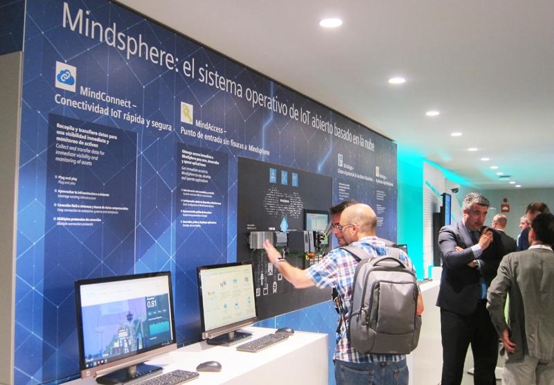 Siemens presentó Mindsphere, la plantaforma de IoT en la nube para la gestión de todo tipo de infraestructuras y máquinas.