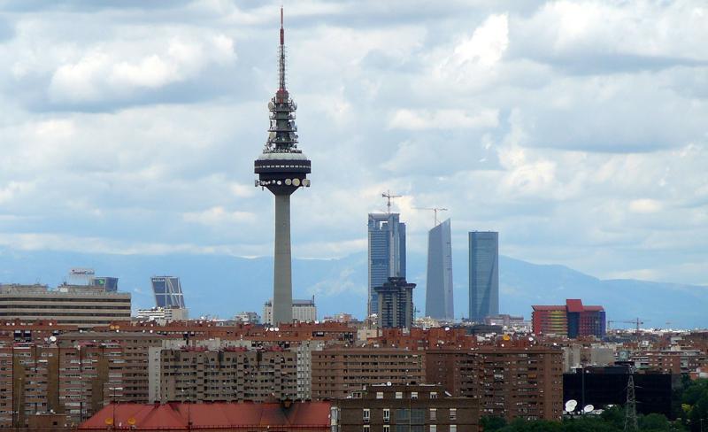 El modelo predictivo de los cuatro estudiantes de la Universidad Complutense puede adelantar tres días la previsión de los niveles de dióxido de nitrógeno (NO2) en el aire de la ciudad.
