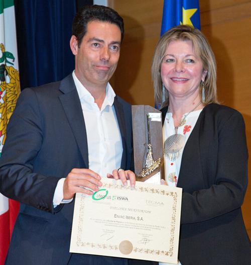 Entrega del premio a César Morais, jefe comercial Envac Iberia.
