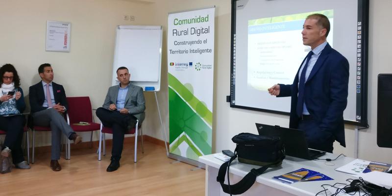 Salamanca acogió el encuentro entre técnicos municipales de regiones fronterizas de España y Portugal para tratar la importancia del alumbrado inteligente en el proceso de gestión inteligente de una ciudad o un pueblo.