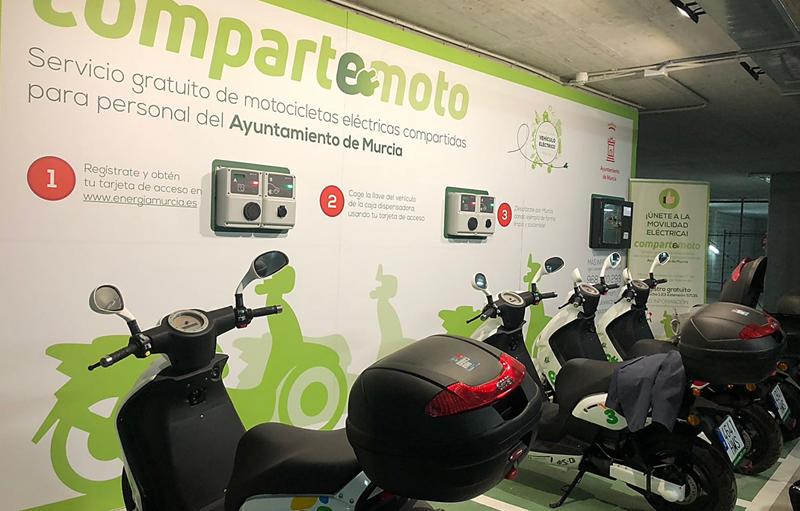 CompartE-moto es el programa piloto del Ayuntamiento de Murcia con ocho motos eléctricas alimentadas con electricidad procedente en paneles fotovoltaicos.