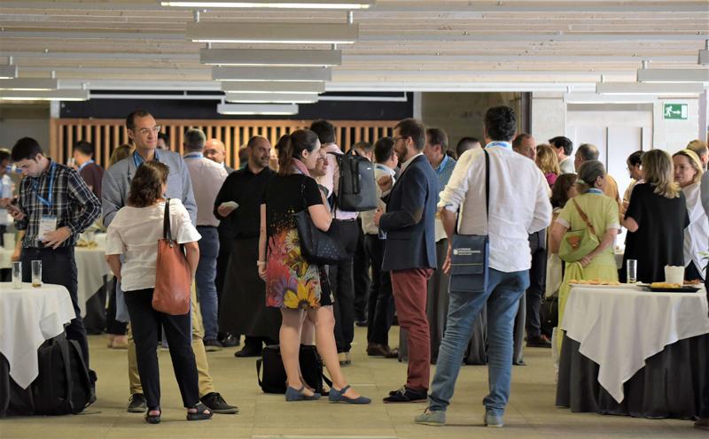 Networking durante la comida en el IV Congreso Edificios Inteligentes.