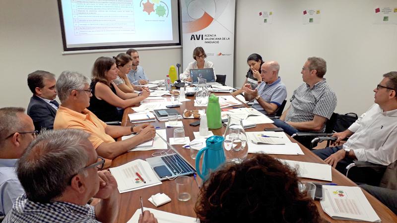 El Comité Estratégico de Innovación Especializado (CEIE) en Tecnologías Habilitadoras, reunido en la sede de la Agencia Valenciana de la Innovación, plantea la creación de una guía de buenas prácticas y estándares en IoT.