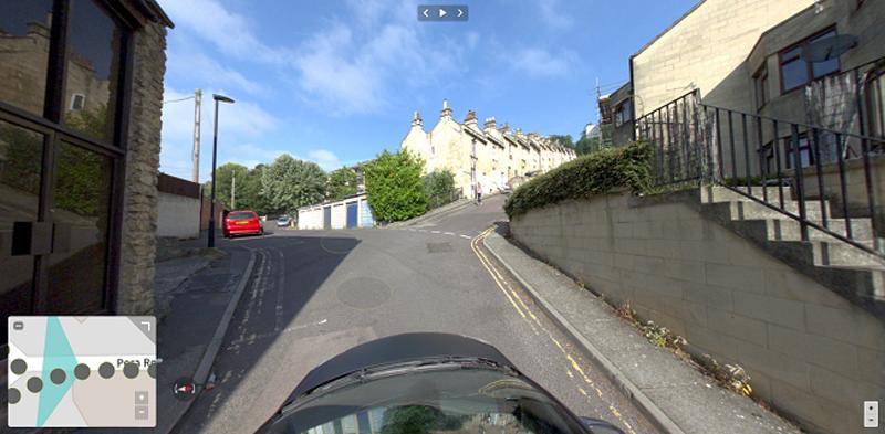 Imagen panorámica de una calle visualizada con la herramienta de inteligencia visual Obliquo Street.