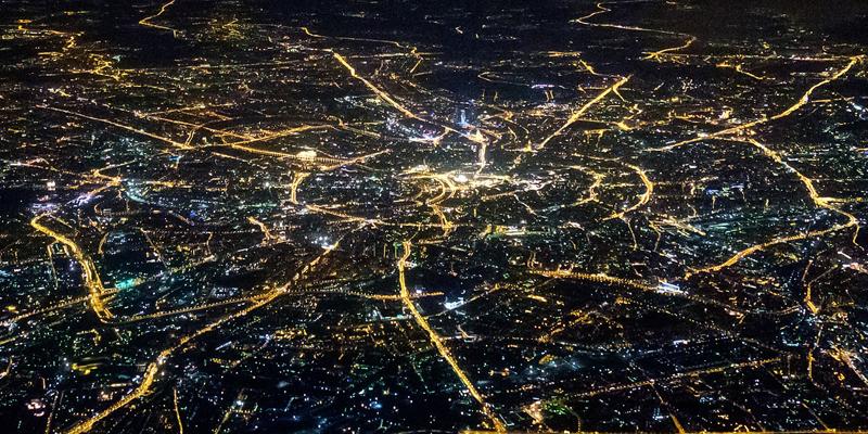 Ciudades que trabajen en red y que lleven a cabo una 'política de la experimentación' son recomendaciones de este informe.