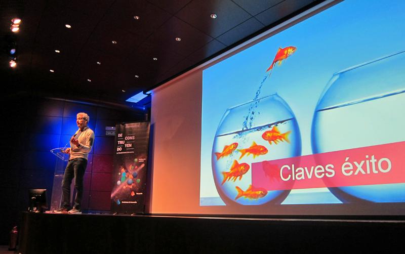 Arnaldo Muñoz, director de Airbnb para España y Portugal, durante su conferencia en el evento de Ibermática.