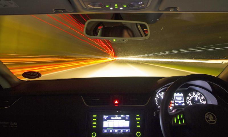 La regulación del acceso a los datos de los vehículos por parte de las administraciones y la protección de datos, son retos de la implantación del coche sin conductor.