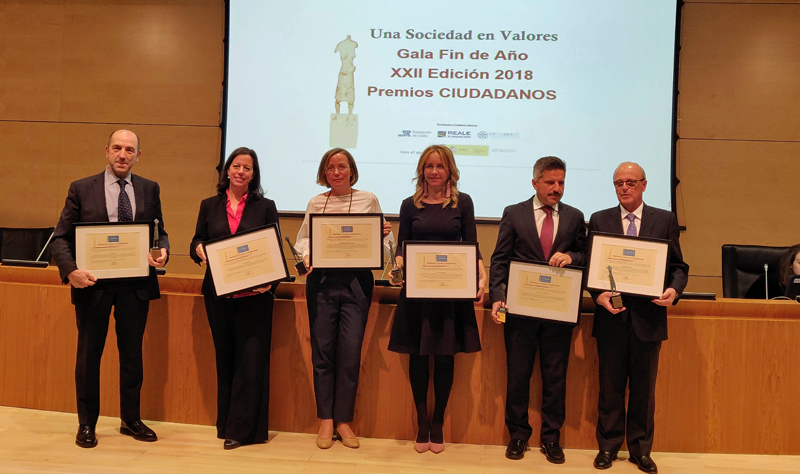 Premiados en la gala de los Premios Ciudadanos en la que el Grupo Thyssenkupp recibió el Premio Ciudades Inteligentes 2018.