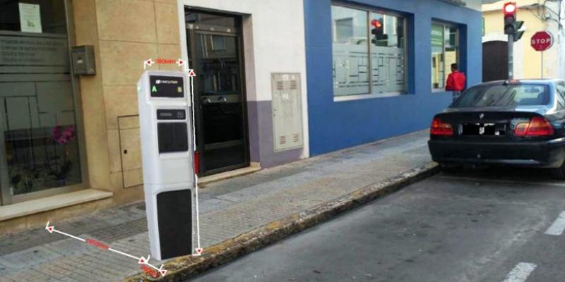 Con la instalación de los cuatro puntos de recarga, el Ayuntamiento de Oliva apuesta por energías limpias y de carácter renovable.