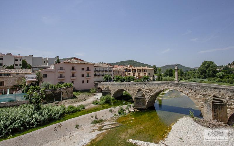 La Diputación de Teruel prevé instalar al menos un poste de carga en cada cabecera de comarca.
