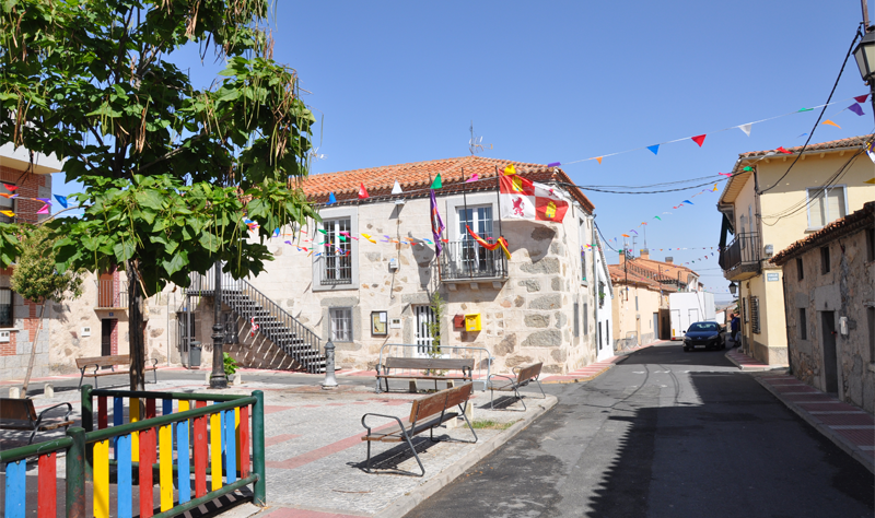 Aldea del Rey Niño, uno de los 334 pueblos del entorno rural de Castilla y León a los que se extenderá el acceso a Internet de banda ancha. Foto: Wikimedia Commons. Xemenendura