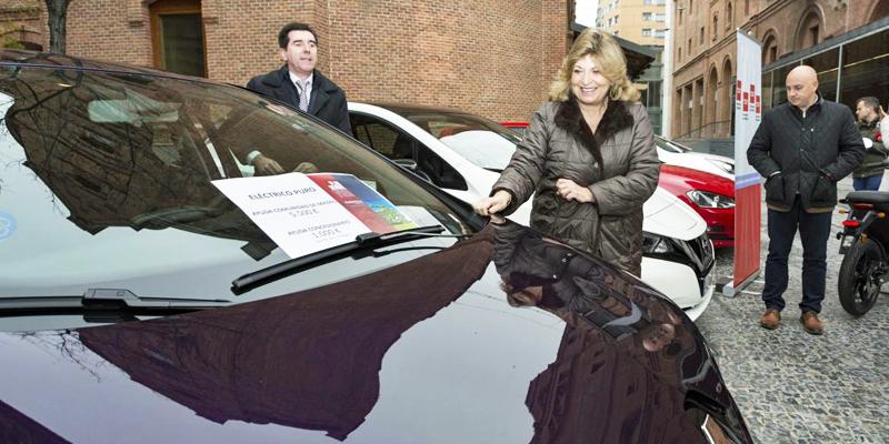 Acto de puesta en marcha del Plan de Movilidad Urbana Sostenible en la Comunidad de Madrid, que ofrece ayudas para la compra de vehículos eléctricos.