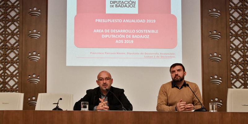 Rueda de prensa de presentación del presupuesto para 2019 en el área de Desarrollo Sostenible, en el que se encuadra la red de estaciones de recarga a la que se destina un millón de euros.
