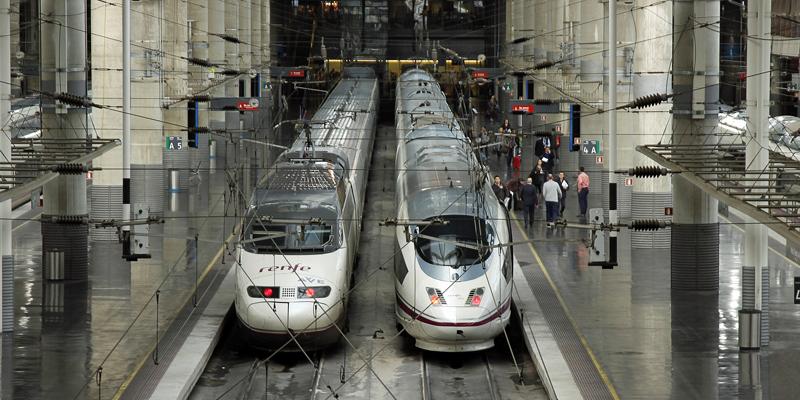 Las estaciones inteligentes hacen un uso intensivo de las TIC para mejorar su eficiencia y los servicios que prestan a los viajeros.