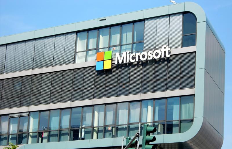Microsoft ya cuenta con otros laboratorios de desarrollo de nuevas tecnologías en diferentes regiones del mundo, incluyendo Europa, donde investiga sobre internet de las cosas en Múnich (Alemania).