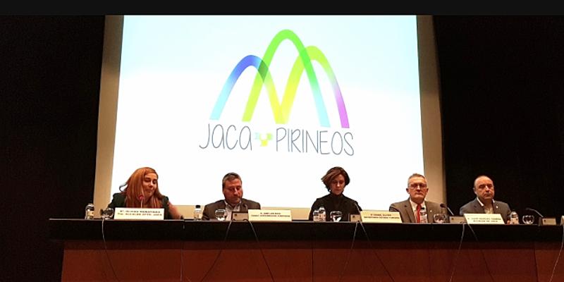 """Inauguración de la jornada """"Smart Mountain Destination Jaca - Provincia de Huesca""""."""