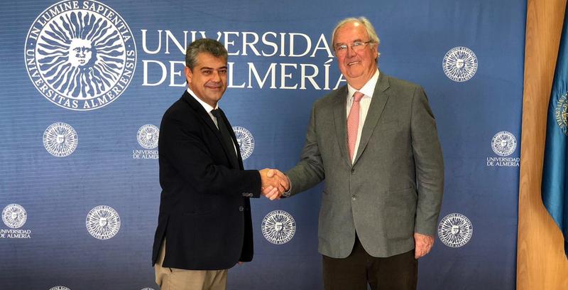 Carmelo Rodríguez, rector de la Universidad de Almería y Mariano Barroso, presidente del Clúster Andalucía Smart City.