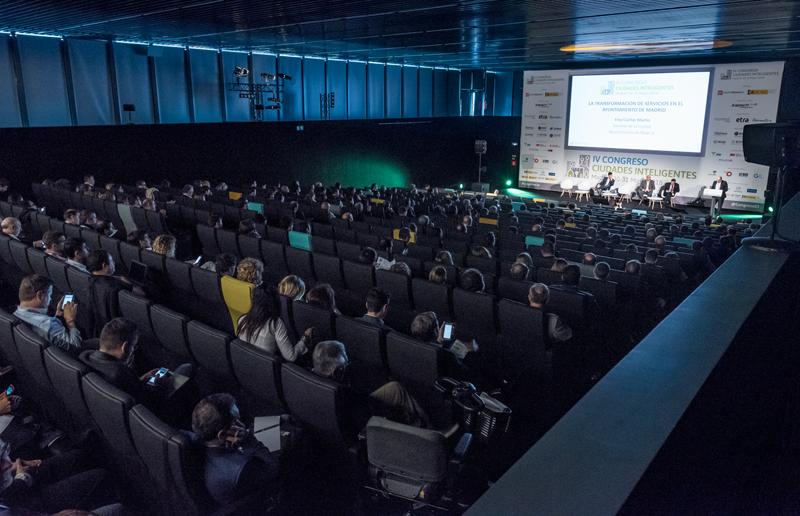 Más de 500 congresistas participaron el pasado año en el IV Congreso Ciudades Inteligentes, celebrado en La Nave, un espacio del Ayuntamiento de Madrid que este año volverá a acoger este encuentro.