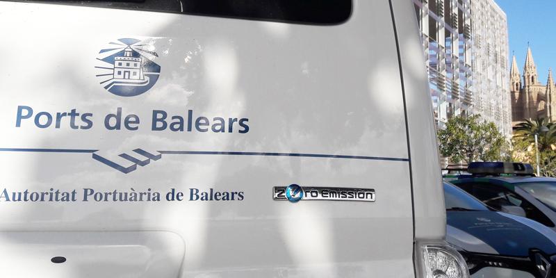 La Autoridad Portuaria de Baleares tiene intención de renovar su flota de vehículos que consumen combustibles fósiles a vehículos eléctricos y ecoeficientes.