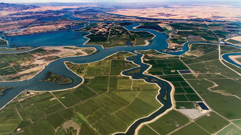 Vista aérea del delta del río Sacramento-San Joaquín de California, uno de los acuíferos más importantes de Estados Unidos, en el que se desarrolla el piloto con sensores IoT y blockchain.