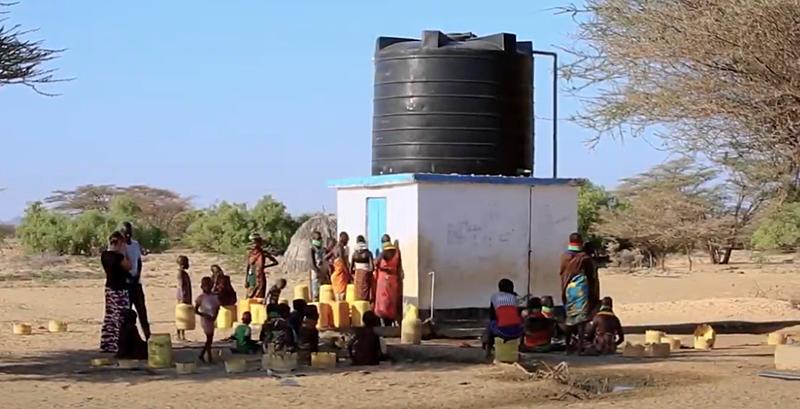 Suministro de agua procedente de un acuífero en Kenia que está siendo monitorizado.
